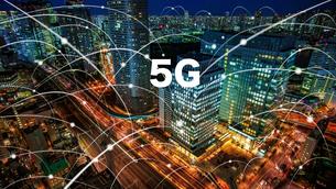 5G-第5世代移動通信システムと東京の写真素材 [FYI04118248]