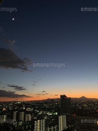 富士山と月と金星の写真素材 [FYI04119670]
