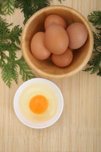 生卵の写真素材 [FYI04120092]