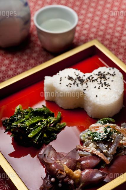 物惣飯と酒肴の写真素材 [FYI04120471]
