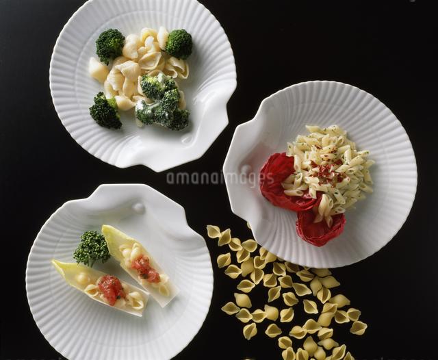 マカロニ三皿の写真素材 [FYI04120523]