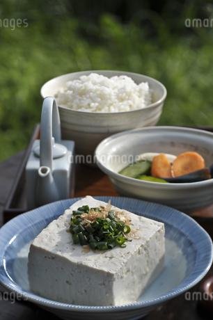 豆腐と漬物の写真素材 [FYI04120553]