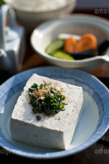 豆腐と漬物の写真素材 [FYI04120556]