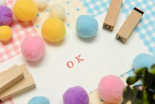 ok アルファベットスタンプをならべて単語にした素材の写真素材 [FYI04120671]