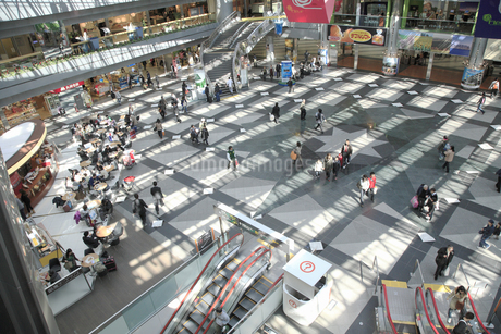 新千歳空港ロビーの写真素材 [FYI04120754]
