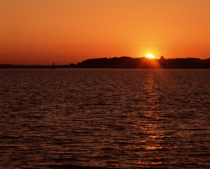 夕陽の写真素材 [FYI04121125]