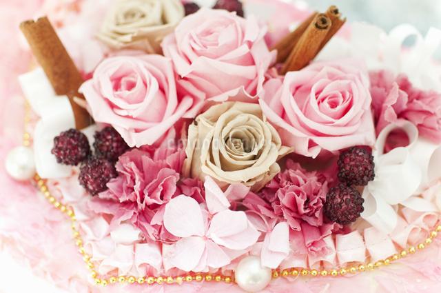 お花のケーキの写真素材 [FYI04124496]