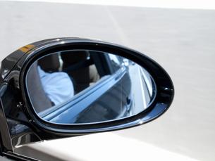 自動車のサイドミラーの写真素材 [FYI04125715]