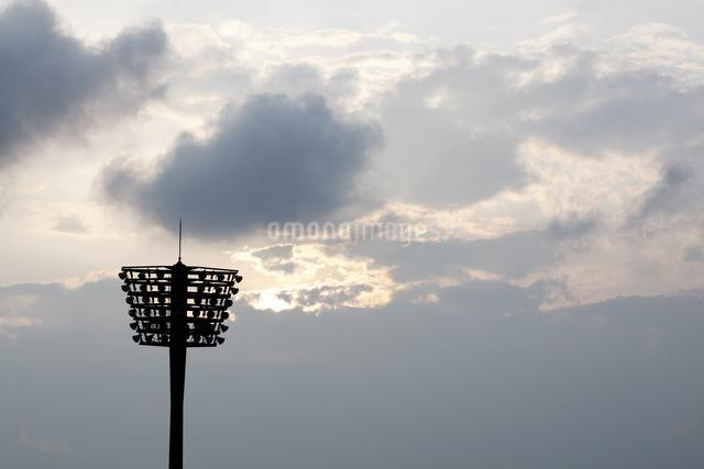 野球場の照明の写真素材 [FYI04127131]