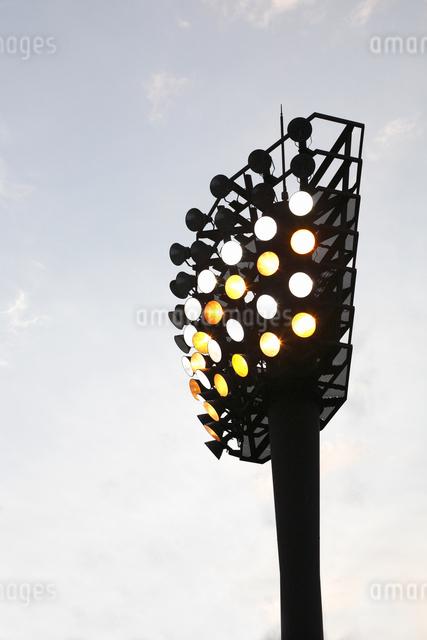 野球場の照明の写真素材 [FYI04127133]