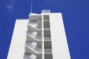 マンションの階段の写真素材 [FYI04132063]
