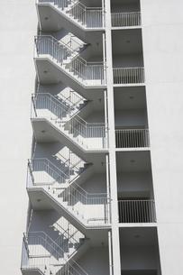 マンションの階段の写真素材 [FYI04132066]