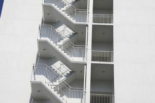 マンションの階段の写真素材 [FYI04132067]