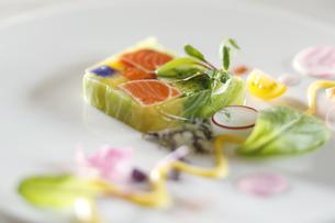 野菜と魚介のテリーヌの写真素材 [FYI04132760]