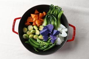 温野菜鍋の写真素材 [FYI04132765]