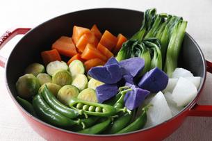 温野菜鍋の写真素材 [FYI04132767]