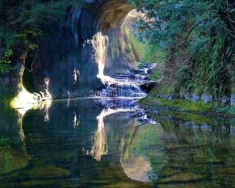 濃溝の滝の写真素材 [FYI04133106]