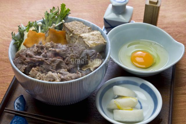 すき焼き丼の写真素材 [FYI04135172]