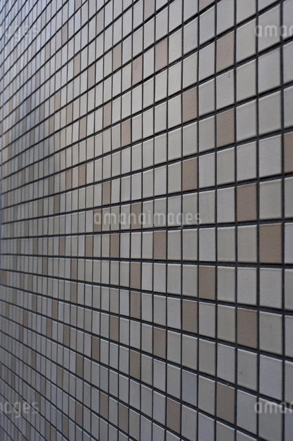 タイル貼りの壁の写真素材 [FYI04135453]