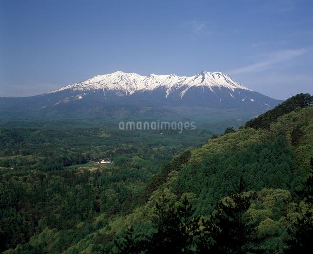 春の御嶽山の写真素材 [FYI04135809]