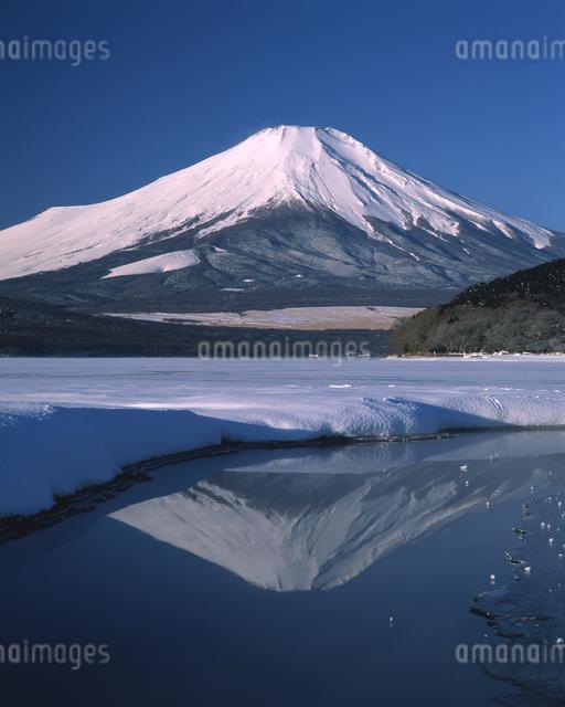 逆さ富士の写真素材 [FYI04135949]