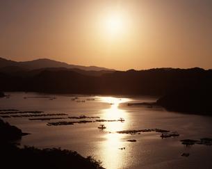 釣り屋形 夕景の写真素材 [FYI04136085]