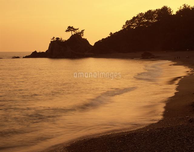 桂浜 夕景の写真素材 [FYI04136109]