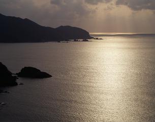 光る海の写真素材 [FYI04136308]
