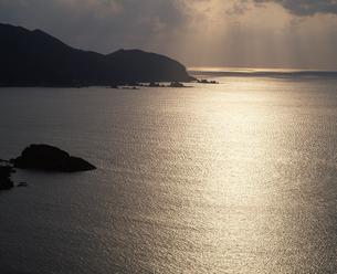 光る海の写真素材 [FYI04136326]