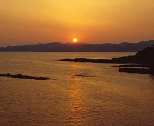 夕日の写真素材 [FYI04136379]