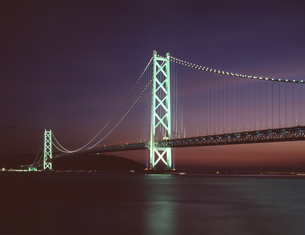 明石海峡大橋 夕景の写真素材 [FYI04136473]