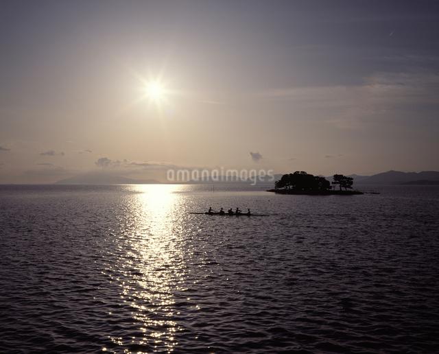 宍道湖 夕景の写真素材 [FYI04136497]
