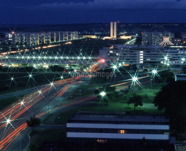 国会議事堂 望遠 夜景の写真素材 [FYI04136515]