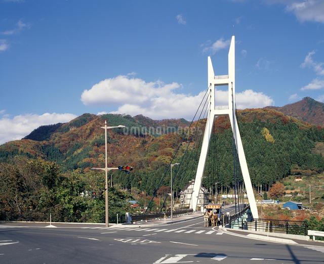 諏訪峡大橋の写真素材 [FYI04136642]