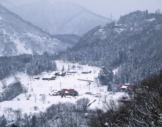 冬の里の写真素材 [FYI04137024]