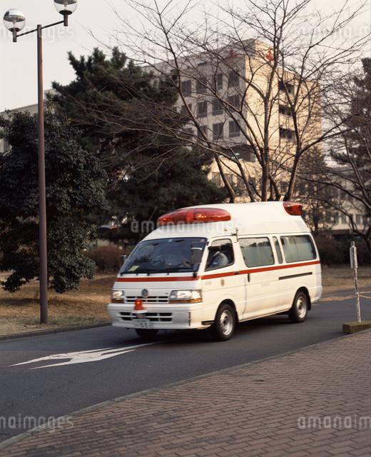 救急車の写真素材 [FYI04137035]