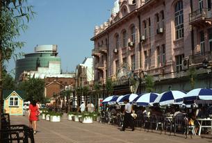 中央大街(旧キタイスカヤ通り)の写真素材 [FYI04137040]