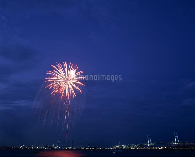 海の日花火大会の写真素材 [FYI04137128]