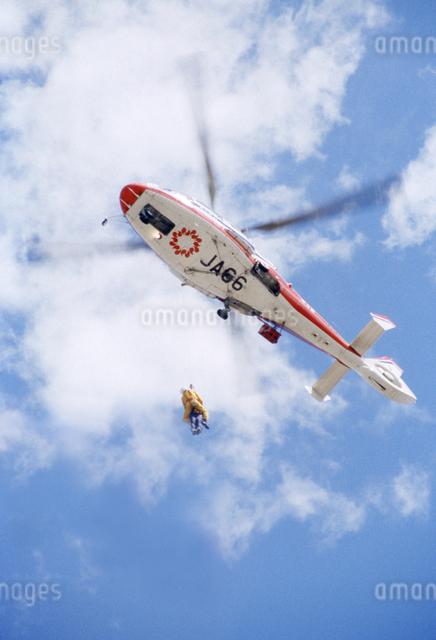 ヘリコプター 防災訓練の写真素材 [FYI04137448]