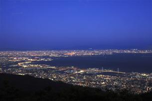 六甲山山頂からの夜景の写真素材 [FYI04144362]