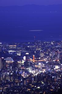 六甲山山頂からの夜景の写真素材 [FYI04144363]