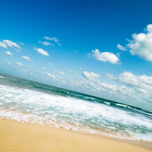 海と空と雲の写真素材 [FYI04145197]
