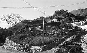 奥多摩・小菅村,民家の写真素材 [FYI04145852]