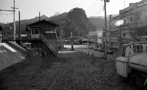 奥多摩,青梅線奥多摩駅,駅前の写真素材 [FYI04145858]