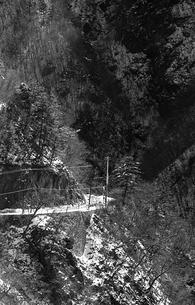 奥多摩,丹波山村お祭,丹波川に沿う青梅街道の写真素材 [FYI04145891]