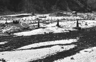 奥多摩,厳冬の丹波山村,丹波川の写真素材 [FYI04145908]