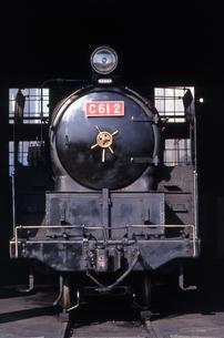 梅小路蒸気機関車館の写真素材 [FYI04146114]