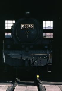 梅小路蒸気機関車館の写真素材 [FYI04146124]