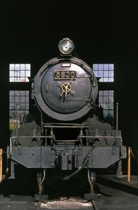 梅小路蒸気機関車館の写真素材 [FYI04146127]
