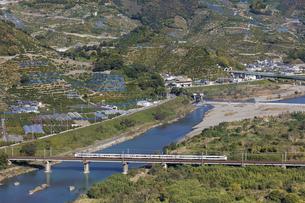 日本の鉄道、紀勢本線、特急くろしお号の写真素材 [FYI04152483]